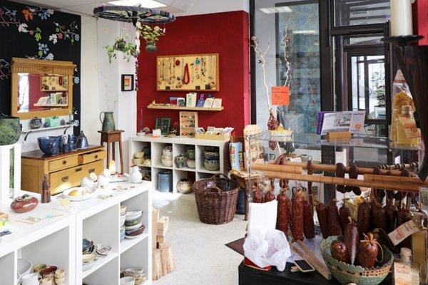 verkauf und dienstleistungen verkaufsstellen der lindenwerkst tten. Black Bedroom Furniture Sets. Home Design Ideas
